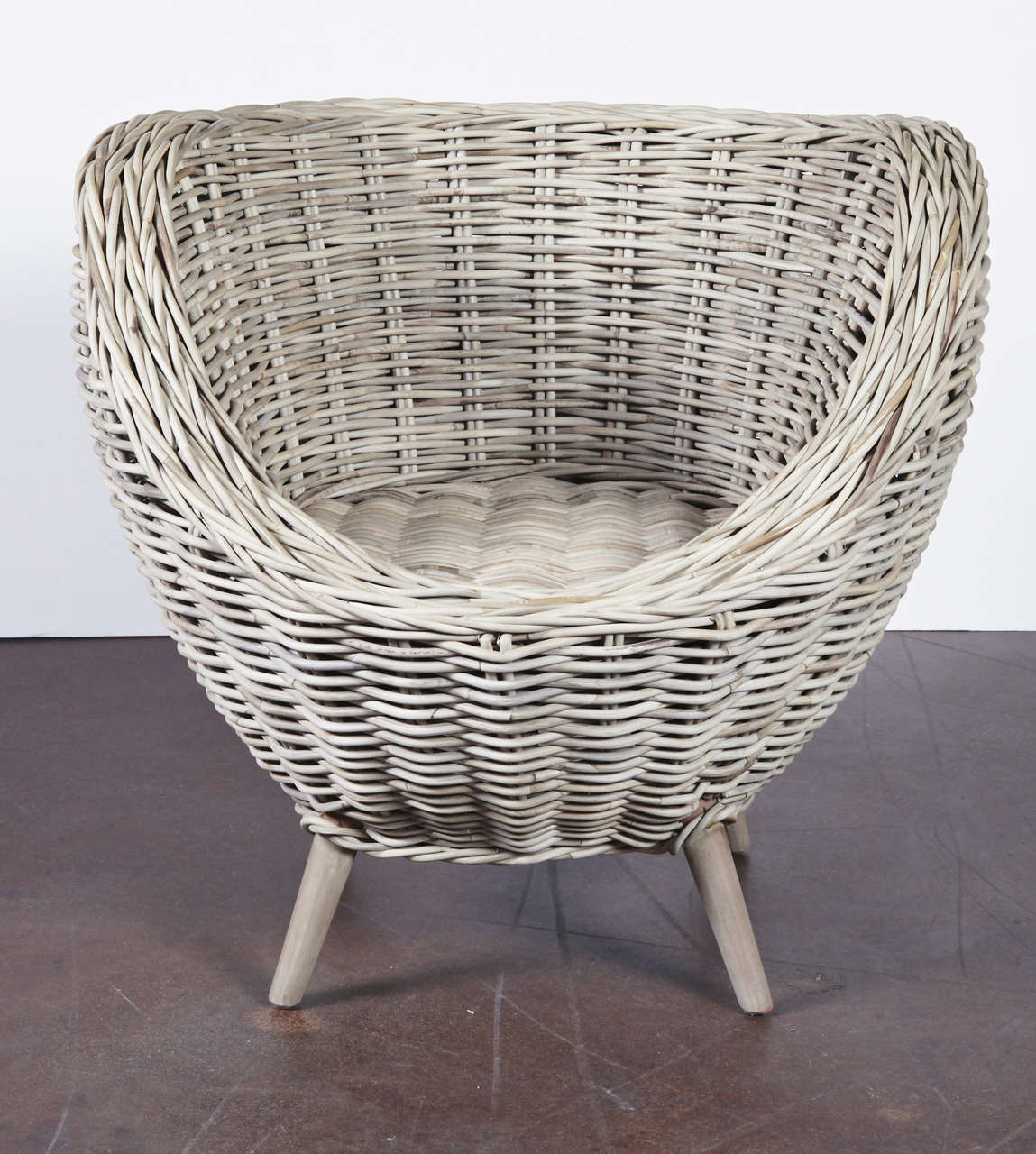 Egg Shaped Wicker Chair Set Of Wicker Egg Shape Chairs At 1stdibs