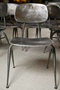 Mid Century Modern Metal Chairs at 1stdibs