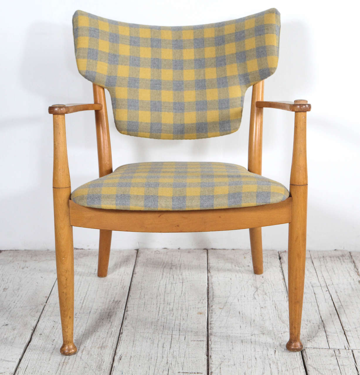 yellow and grey chair lift for elderly peter hvidt bentwood dining in check