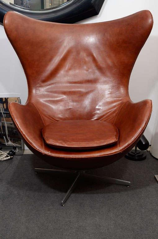 jacobsen egg chair leather blue bedroom uk vintage in brown by arne at 1stdibs designed for fritz hansen danish