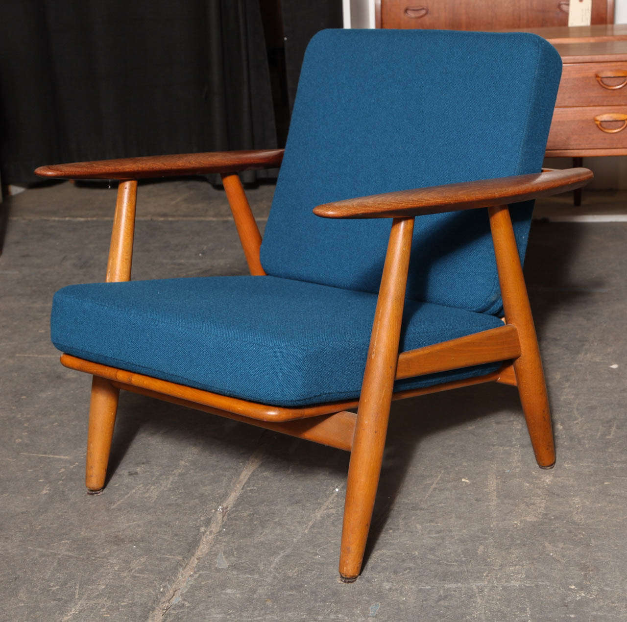 Cigar Lounge Chairs Hans Wegner Ge 240 Cigar Lounge Chair At 1stdibs