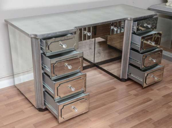 Mirrored Dressing Table Vanity With Nine Drawers