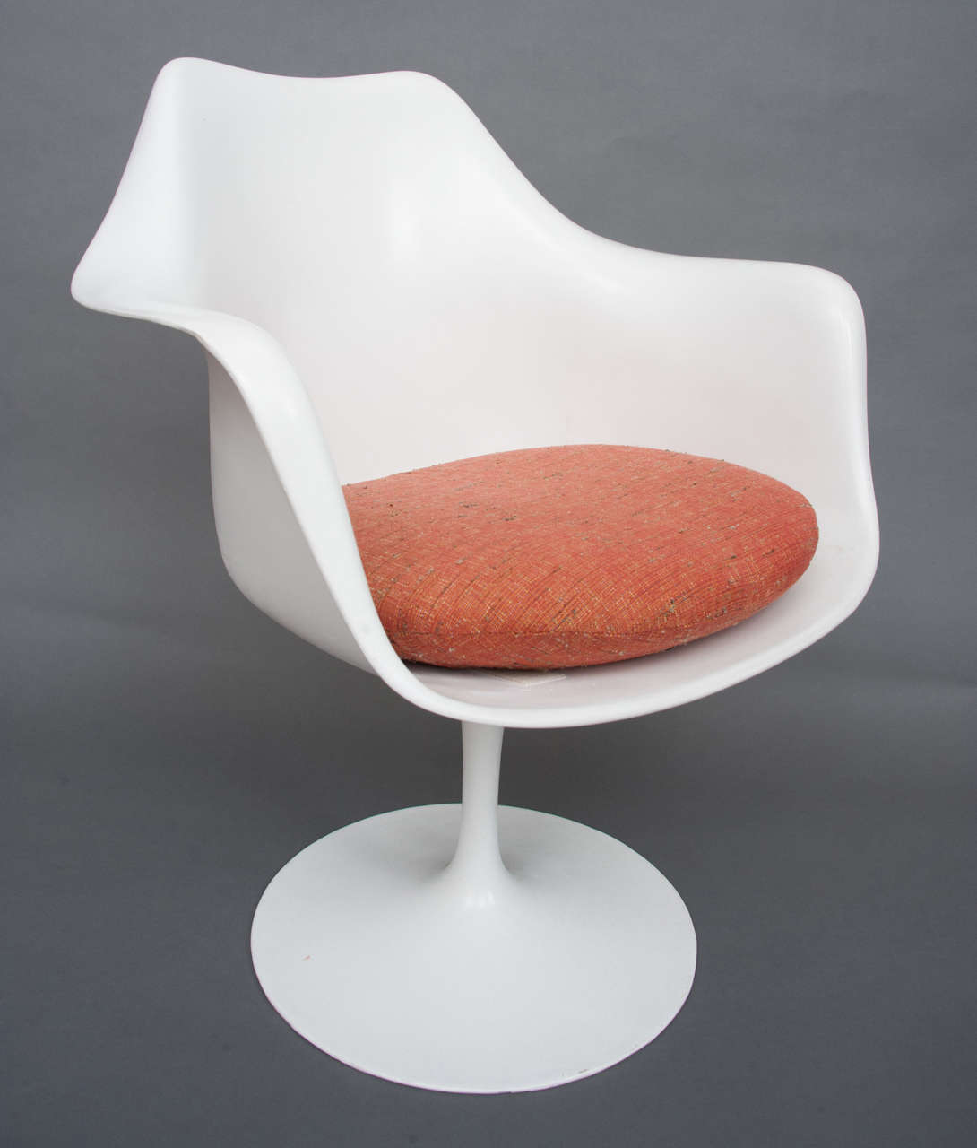 tulip dining room chairs hanging chair garden furniture a table with eight designed by eero