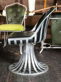 Russell Woodard Table And Four Chairs