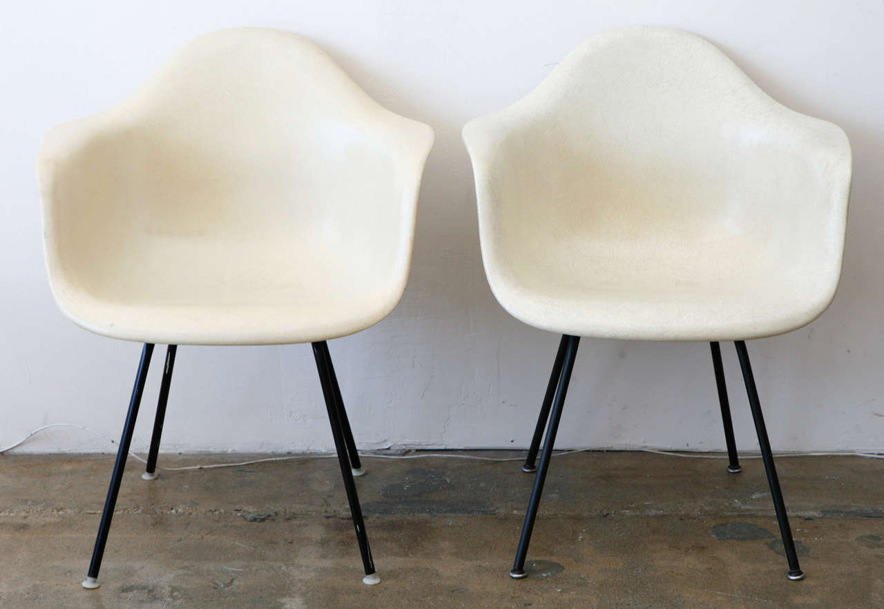 eames bucket chair giant lawn chairs at 1stdibs
