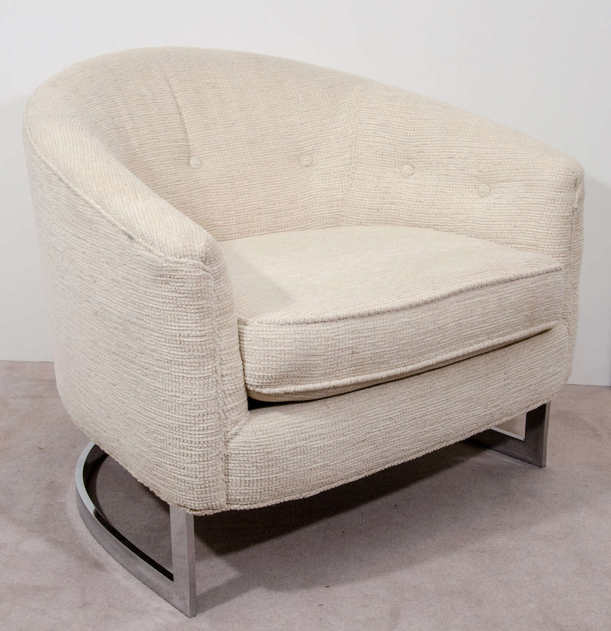 White Barrel Chair A Pair Of Mid Century Milo Baughman White Barrel Back