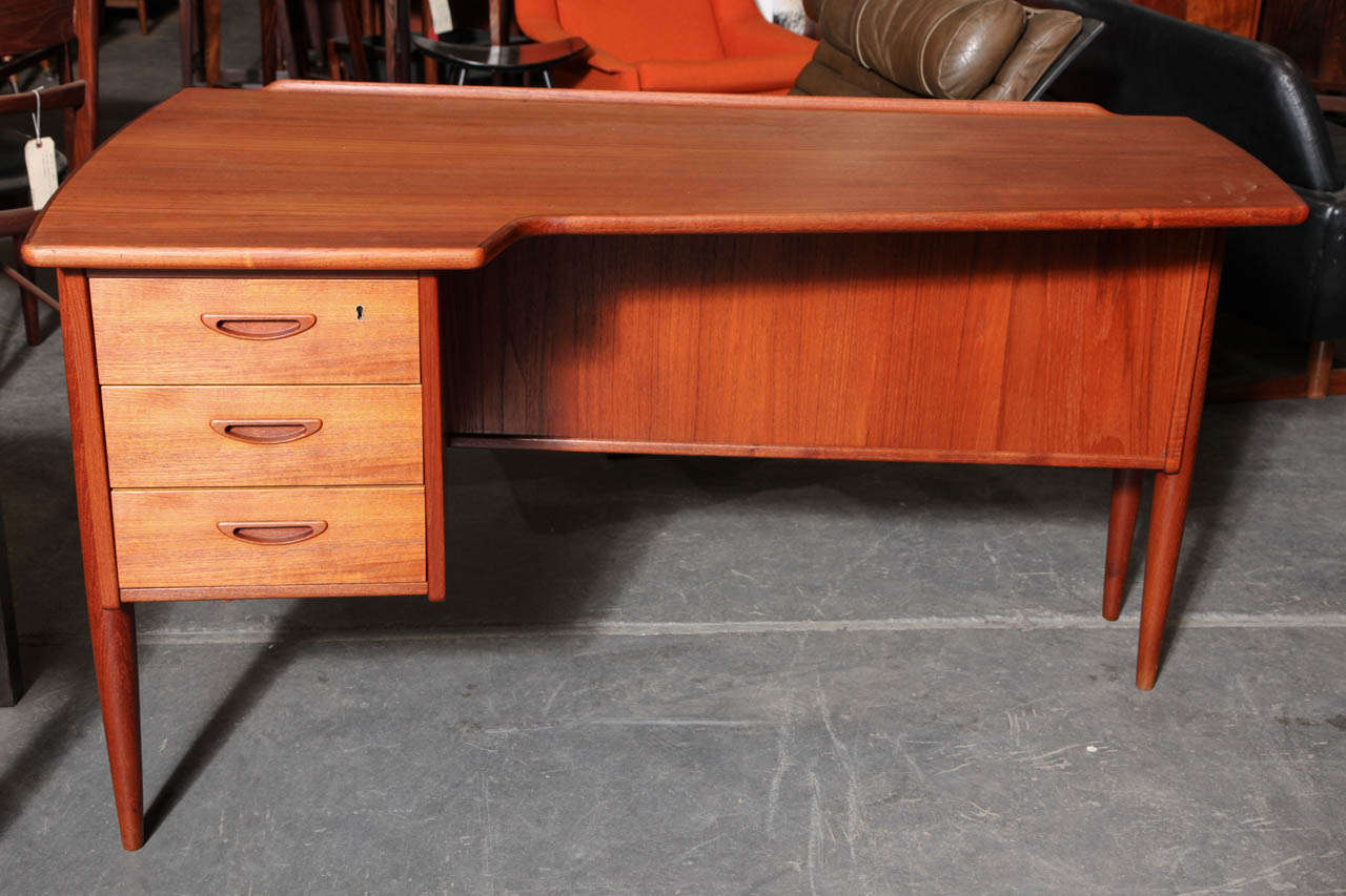 Danish Modern LShaped Teak Desk at 1stdibs