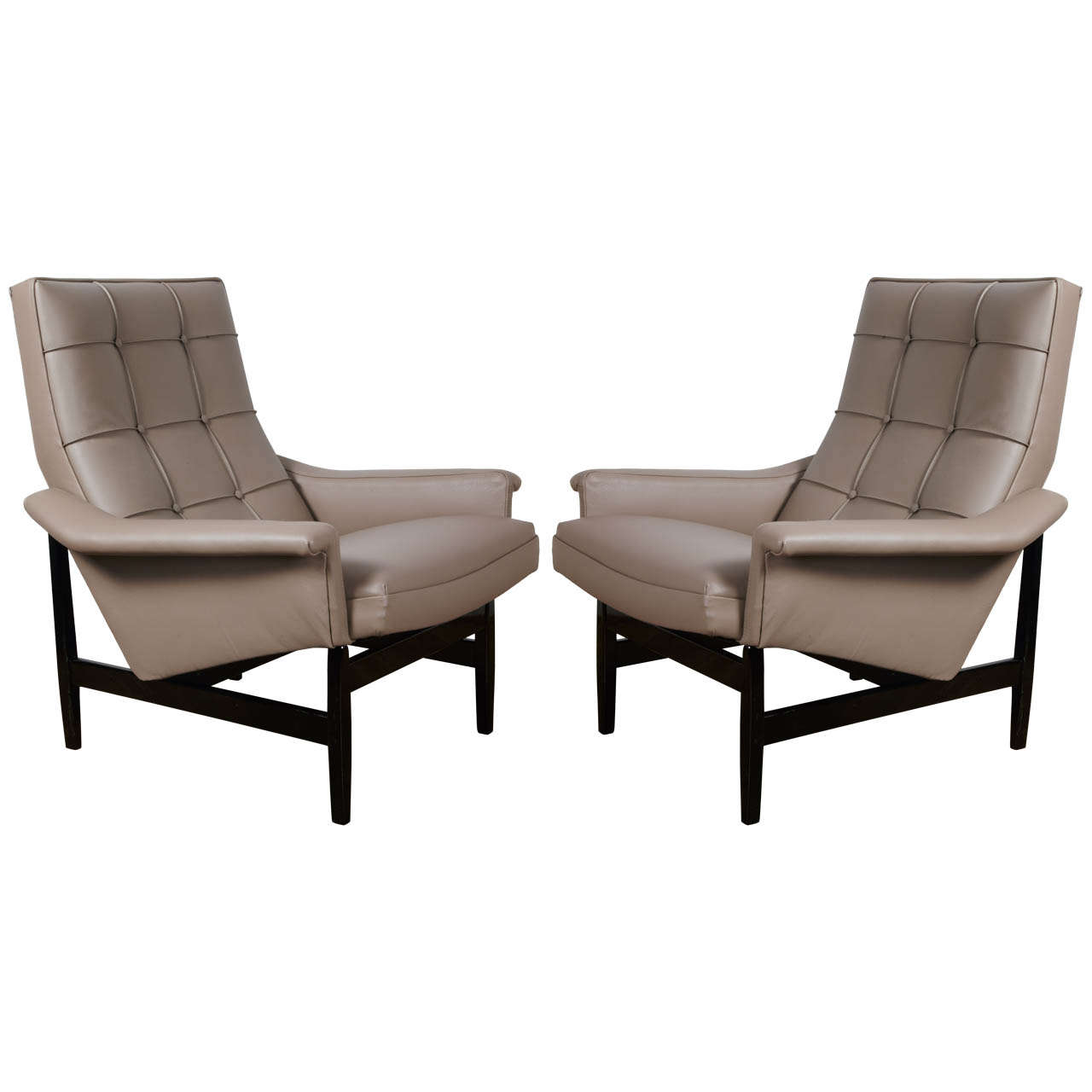 Grey Leather Club Chair A Pair Of Grey Leather Lounge Chairs On Black Lacquered