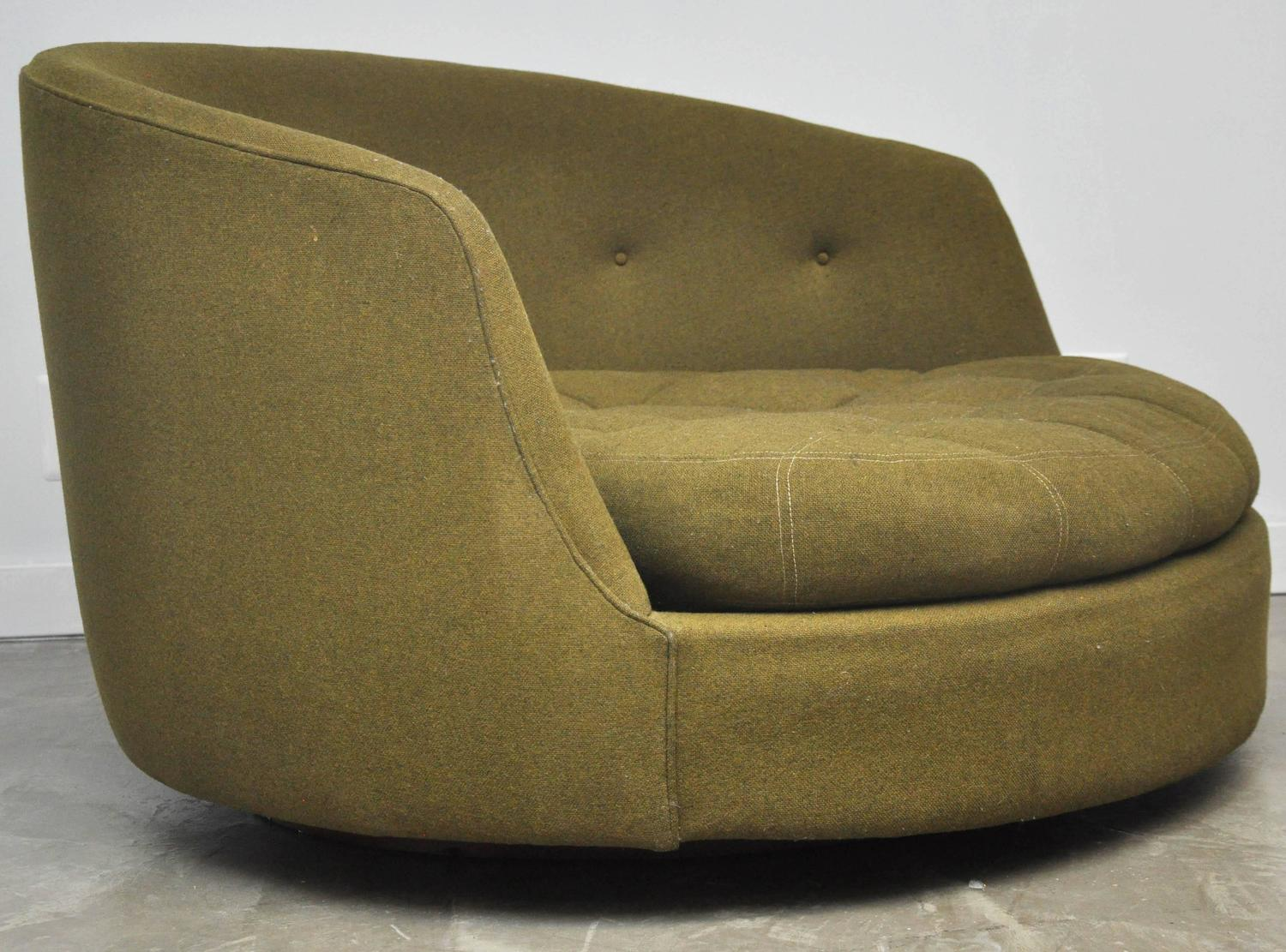 swivel chair large white lounge for bedroom milo baughman at 1stdibs