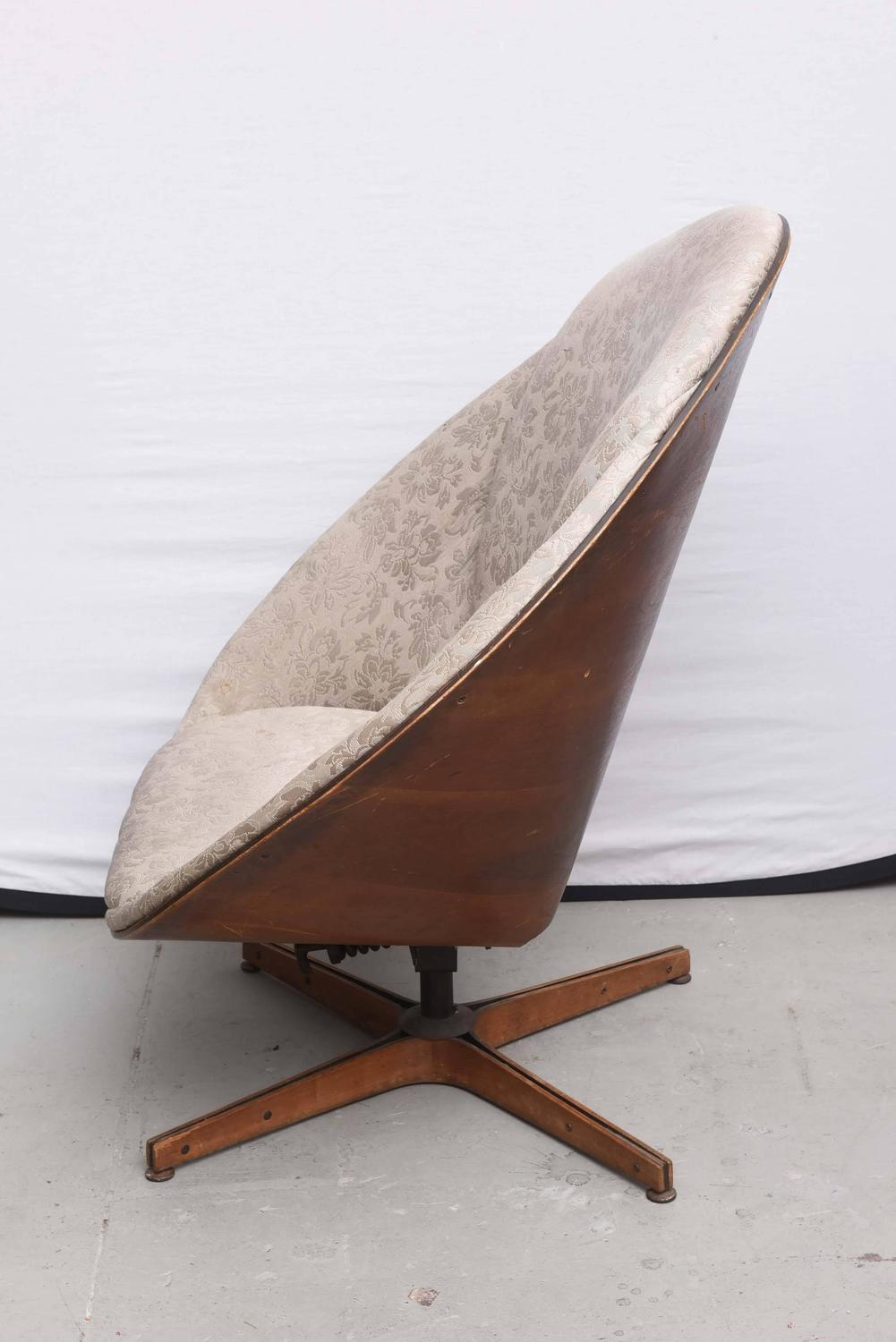 Rare Early Edition Plycraft Swivel Wooden Egg Chair 1950s