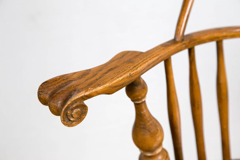 comb back windsor chair cool chairs for man cave knuckle arm at 1stdibs