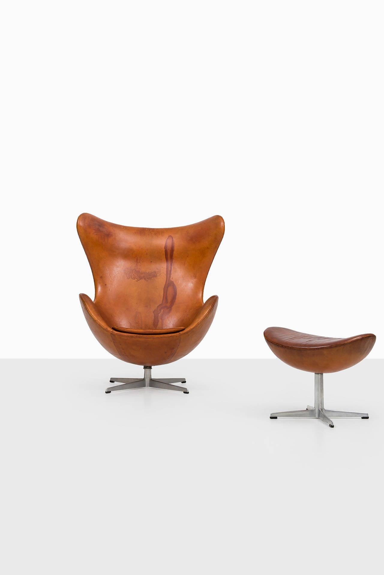 jacobsen egg chair leather santa hat covers arne in original cognac brown