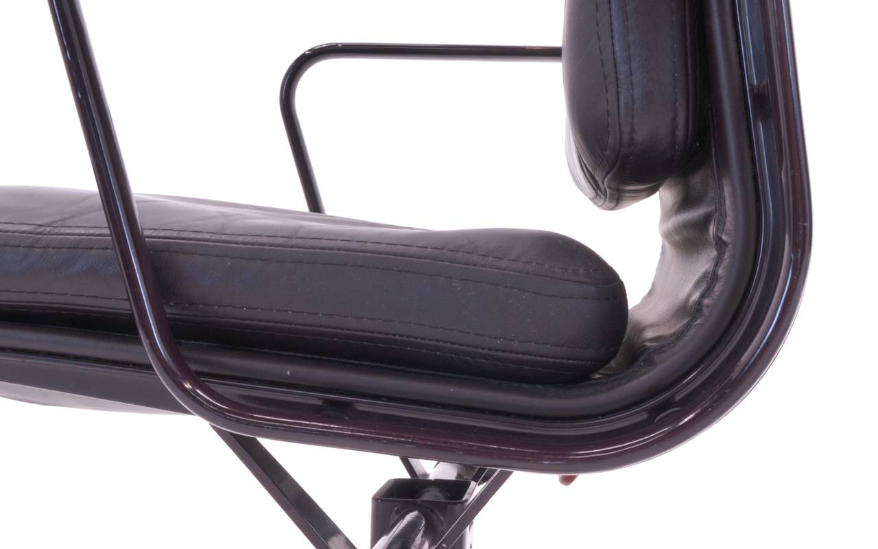 eames aluminum group management chair black fuzzy plum colored leather soft pad chairs for herman miller. seven available sale at 1stdibs