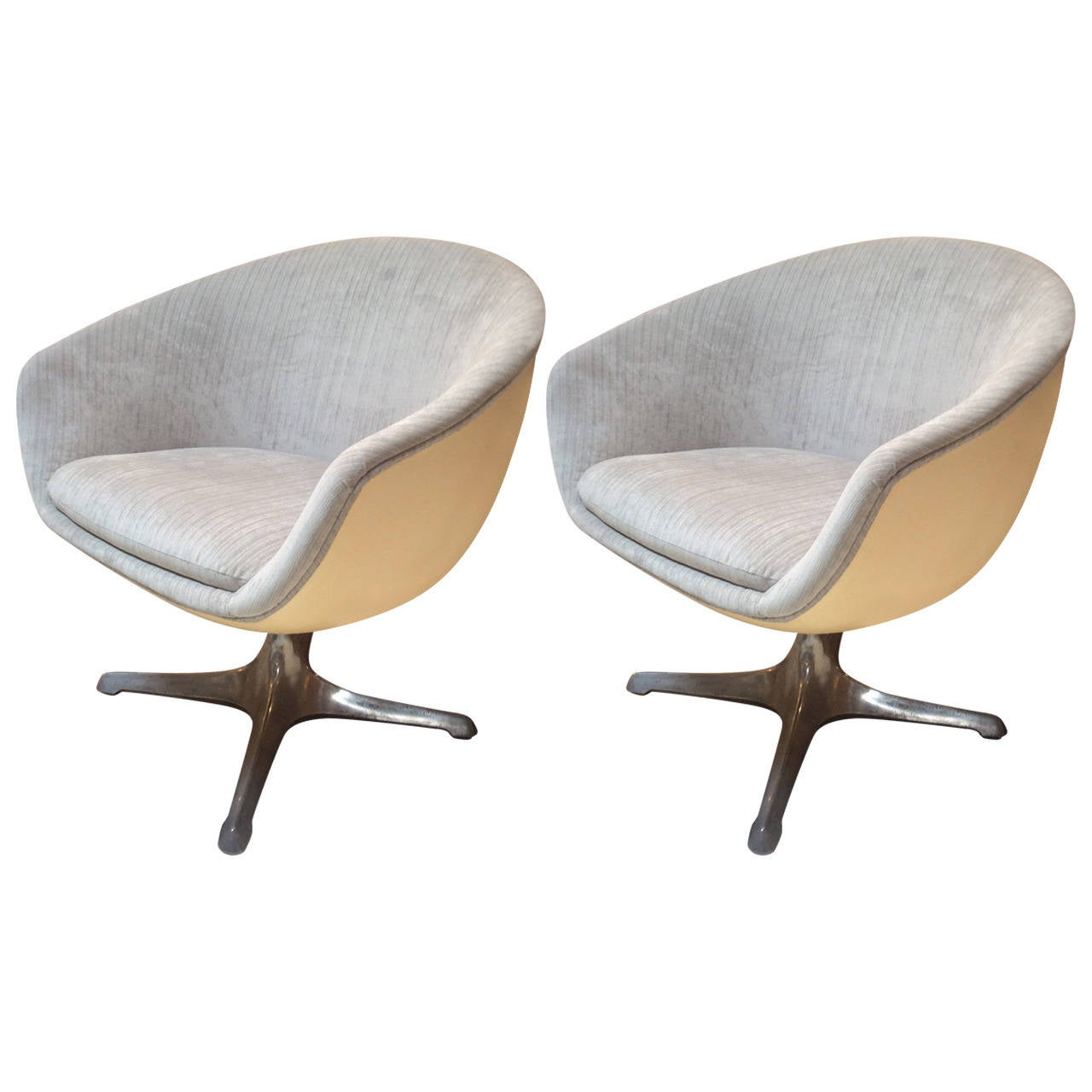 Pod Chairs Pair Of Mid Century Pod Ball Or Egg Swivel Chairs From