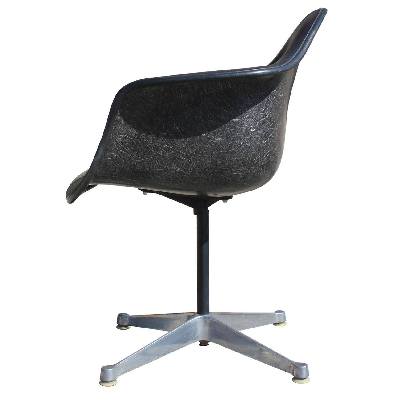eames bucket chair oversized upholstered set of four herman miller swivel chairs at