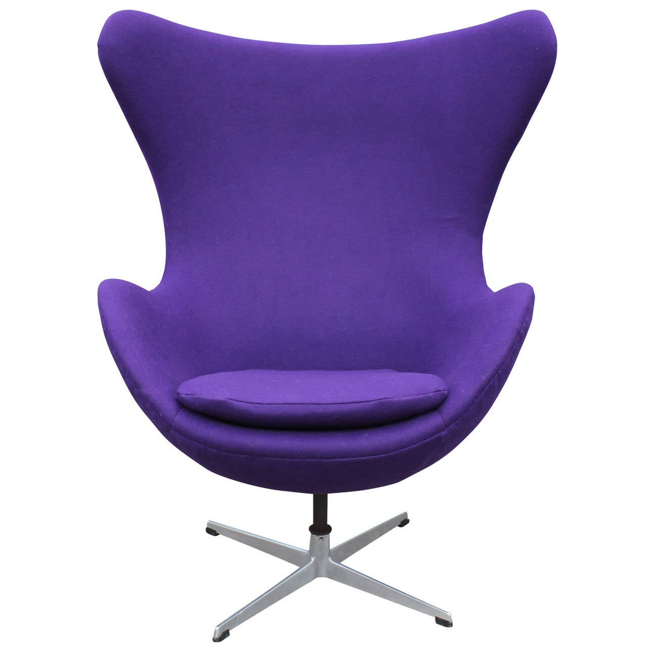 Egg Chairs Modern Arne Jacobson Egg Chair In Royal Purple Danish