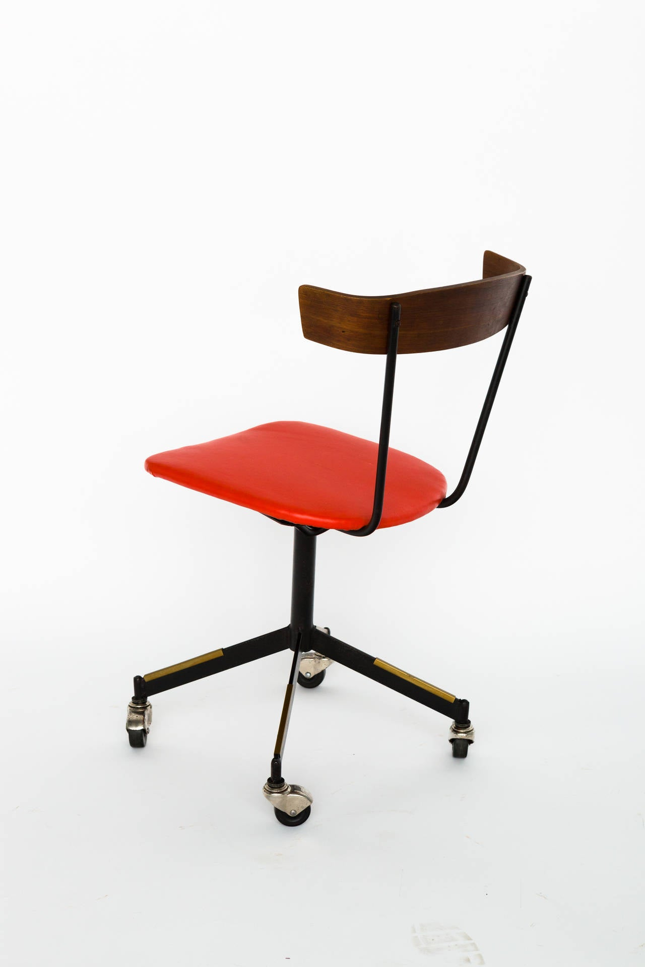 Mid Century Modern Office Chair Mid Century Modern Desk Chair By Clifford Pascoe At 1stdibs