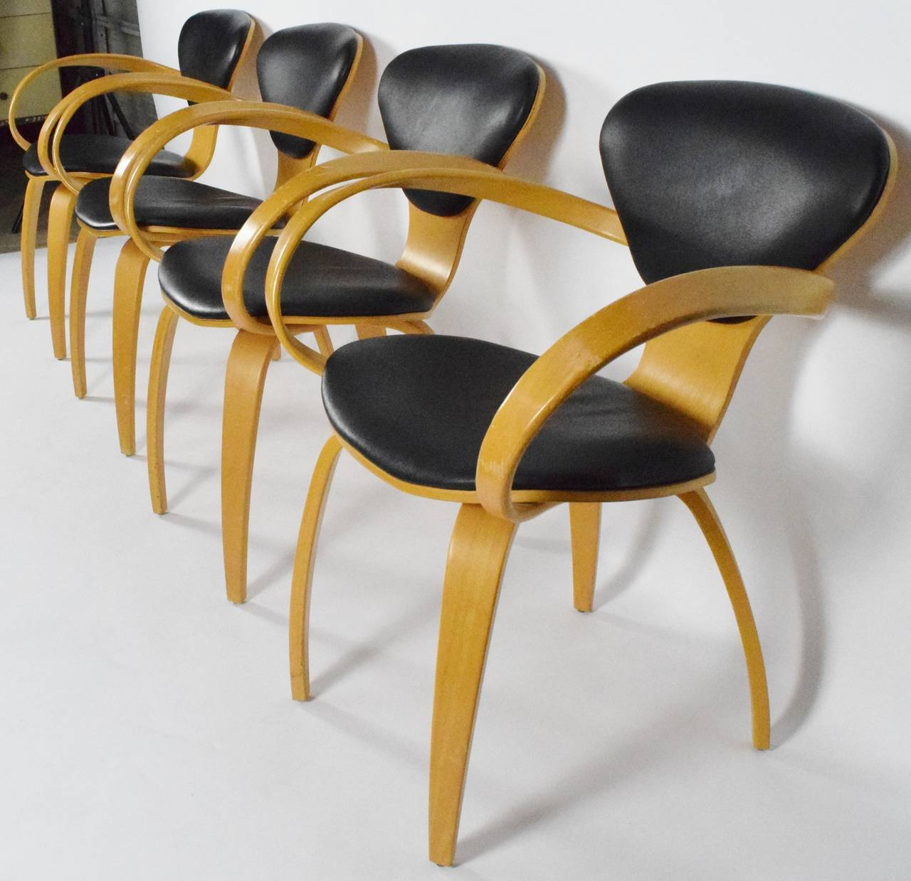 Pretzel Chair Norman Cherner Pretzel Chairs For Plycraft At 1stdibs