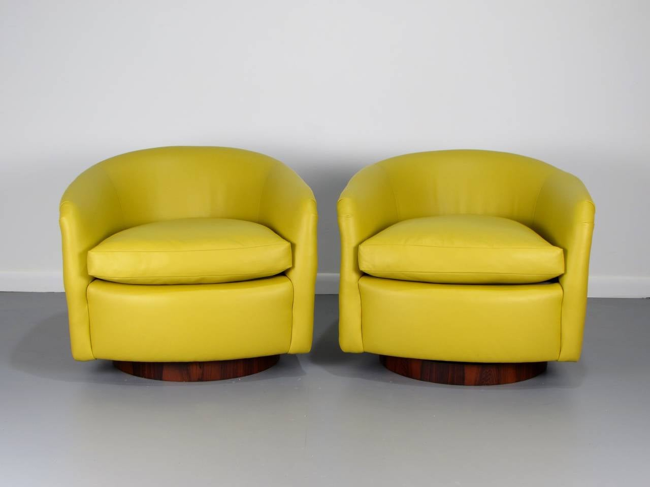 green velvet swivel chair set of 4 outdoor cushions rare rosewood wrapped tub chairs in leather by milo baughman, 1970s at 1stdibs