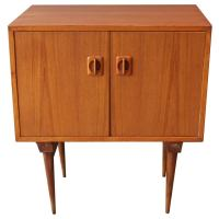 Mid-Century Modern Cabinet at 1stdibs
