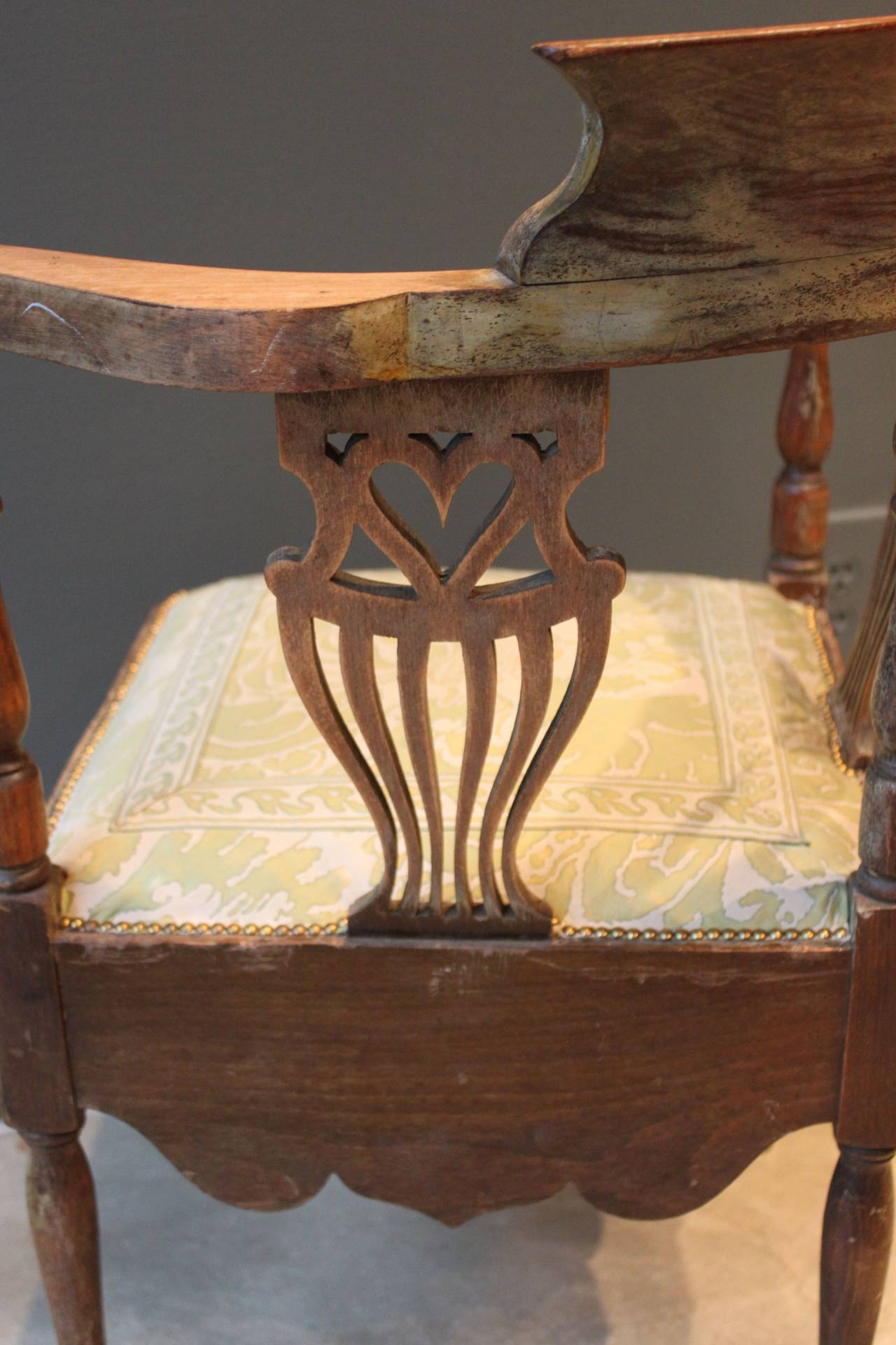 antique round back corner chair power chairside end table canada with pierced splat of heart and fortuny