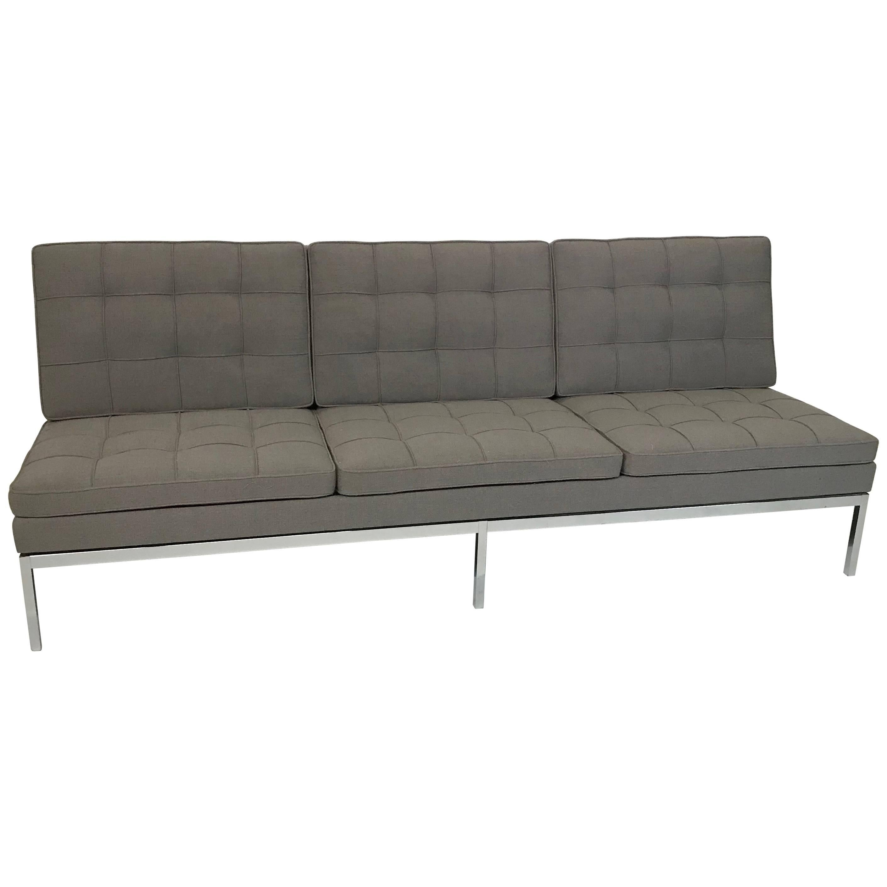 armless sofas pictures of sofa tables behind florence knoll upholstered three seat at 1stdibs