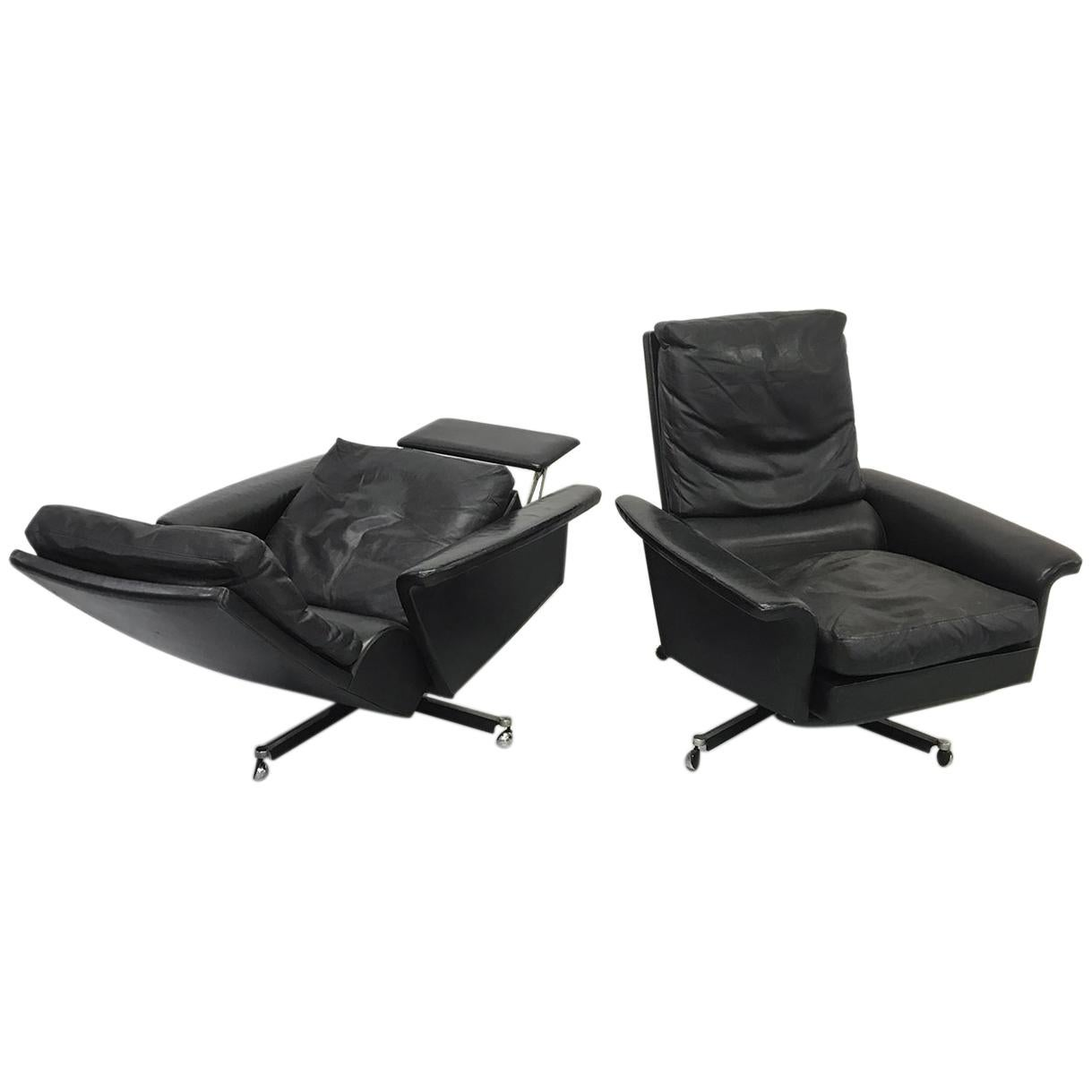Leather Reclining Chairs Pair Of 1960s Mid Century Modern Black Leather Reclining Lay Z Boy Lounge Chairs