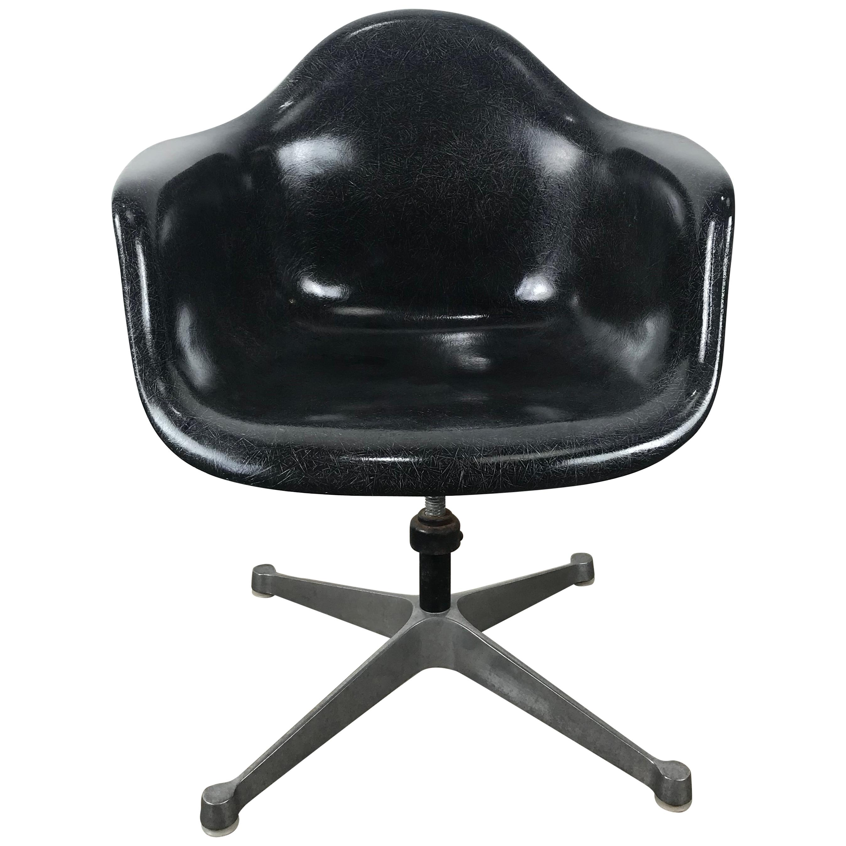black eames chair red desk canada charles and ray furniture 400 for sale at 1stdibs rare fiberglass tilt swivel arm shell aluminium base dat by