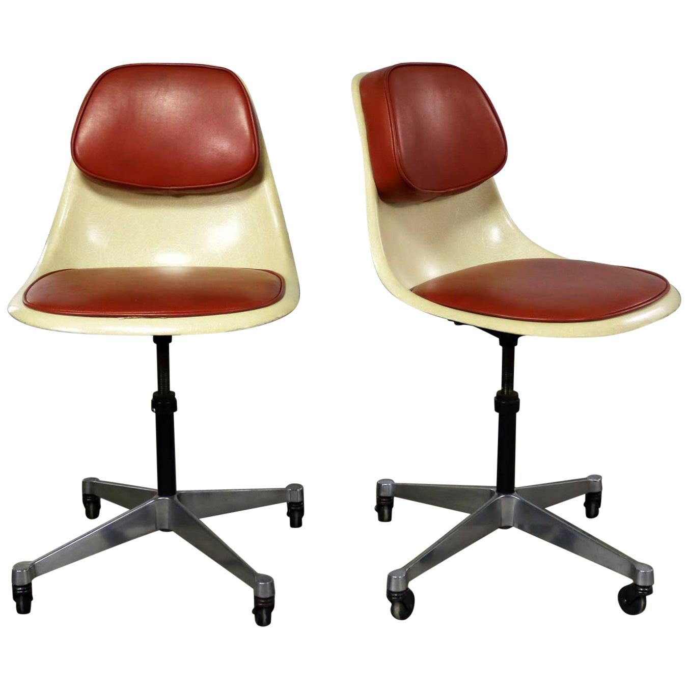 Herman Miller Shell Chair Eames Herman Miller Pscc A 4 Pivoting Task Shell Chair Pair Contract Base Castor