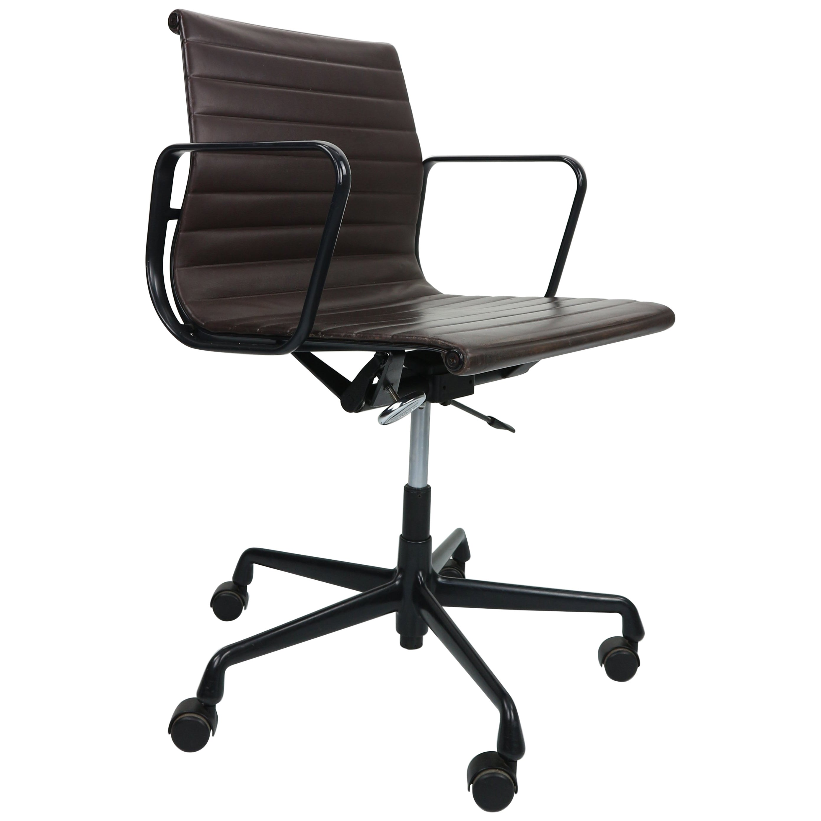 Vitra Office Chair Vintage Ea 117 Office Chair By Charles Eames For Vitra In Leather