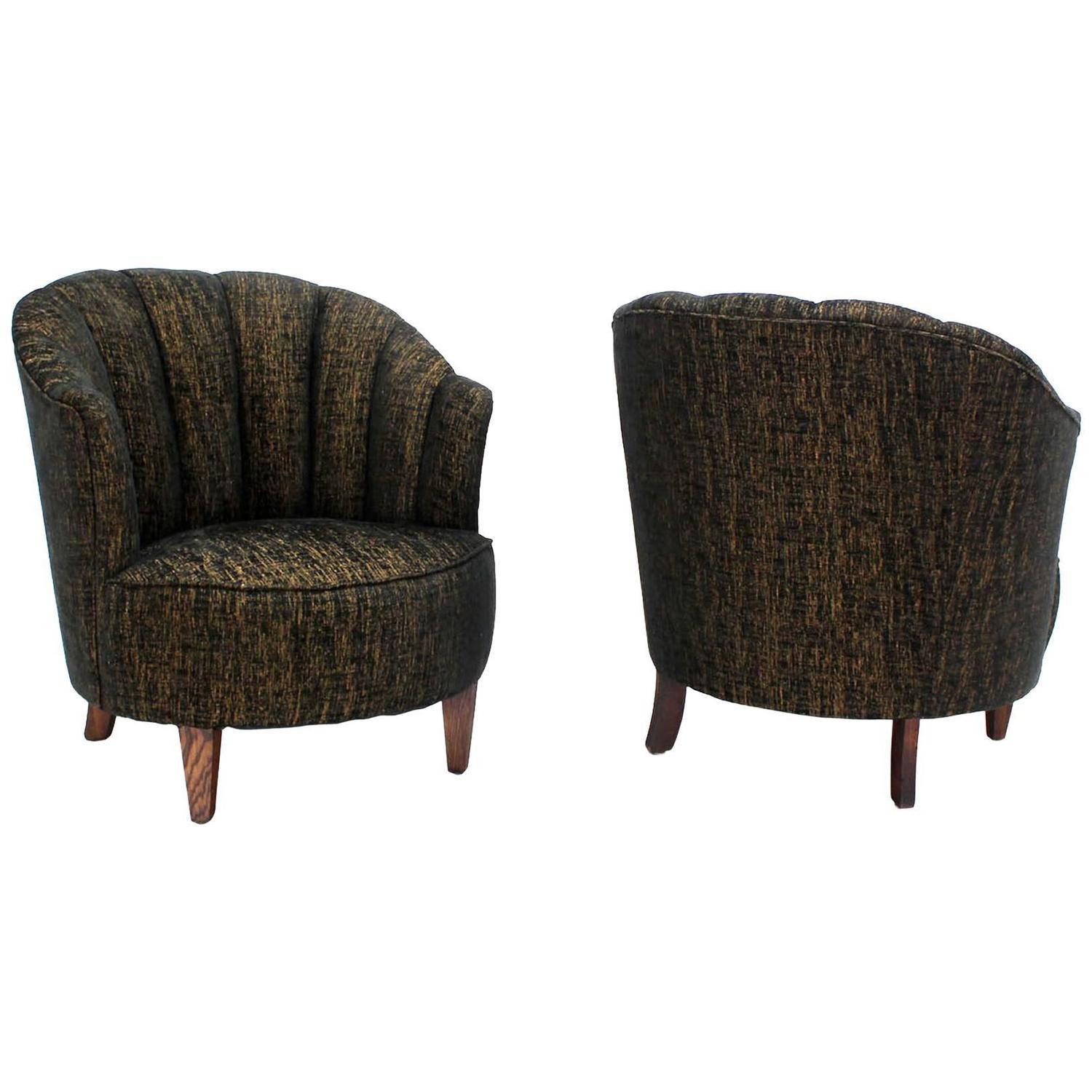 Barrel Scallop Back Ribbed Back Upholstery Wing Chairs New Upholstery For Sale At 1stdibs
