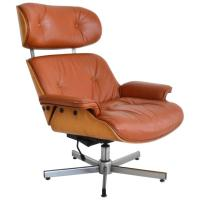 Italian Mid-Century Leather and Oak Lounge Chair at 1stdibs