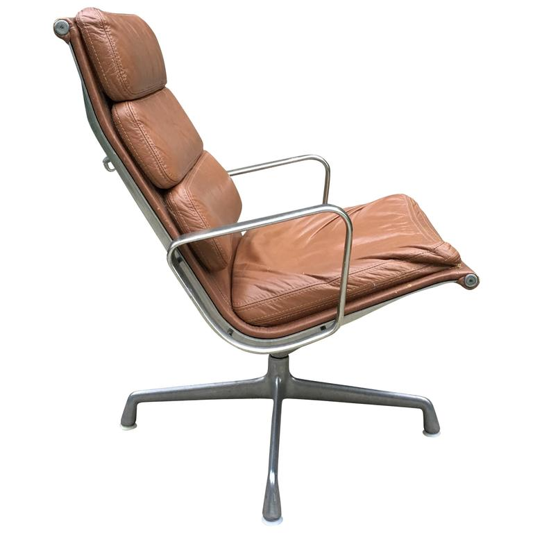 eames aluminum chair blue recliner covers herman miller group soft pad lounge at 1stdibs for sale