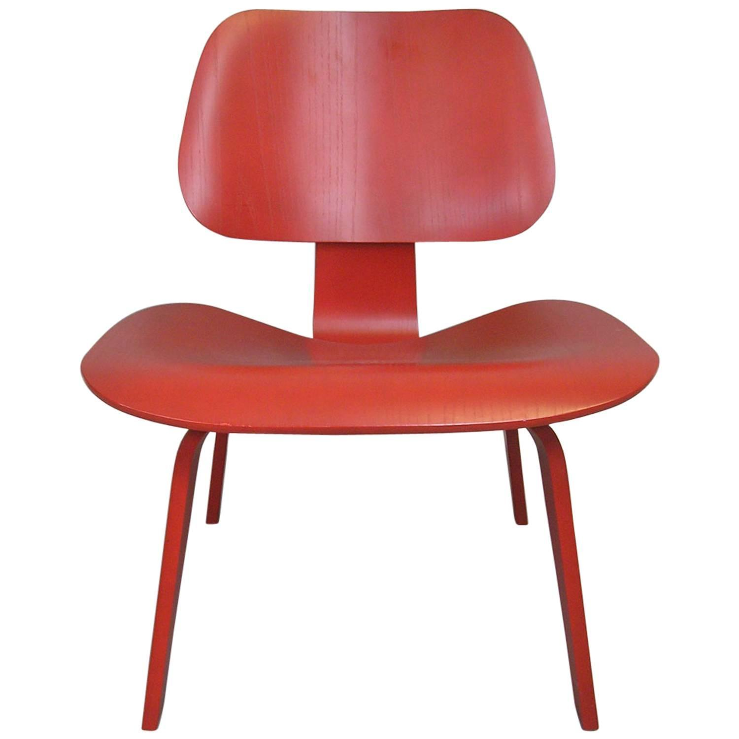 eames lcw chair ergonomic desk chairs charles for sale at 1stdibs