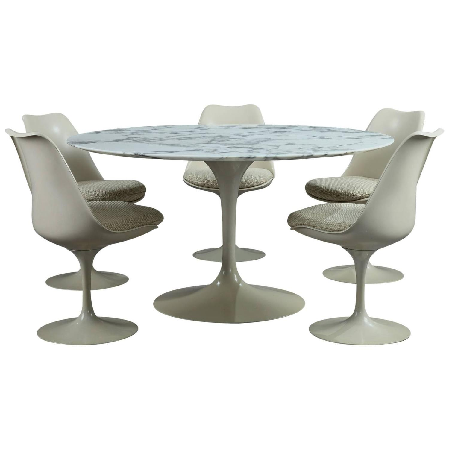 Tulip Table And Chairs Tulip Dining Table And Set Of Five Tulip Seats By Eero