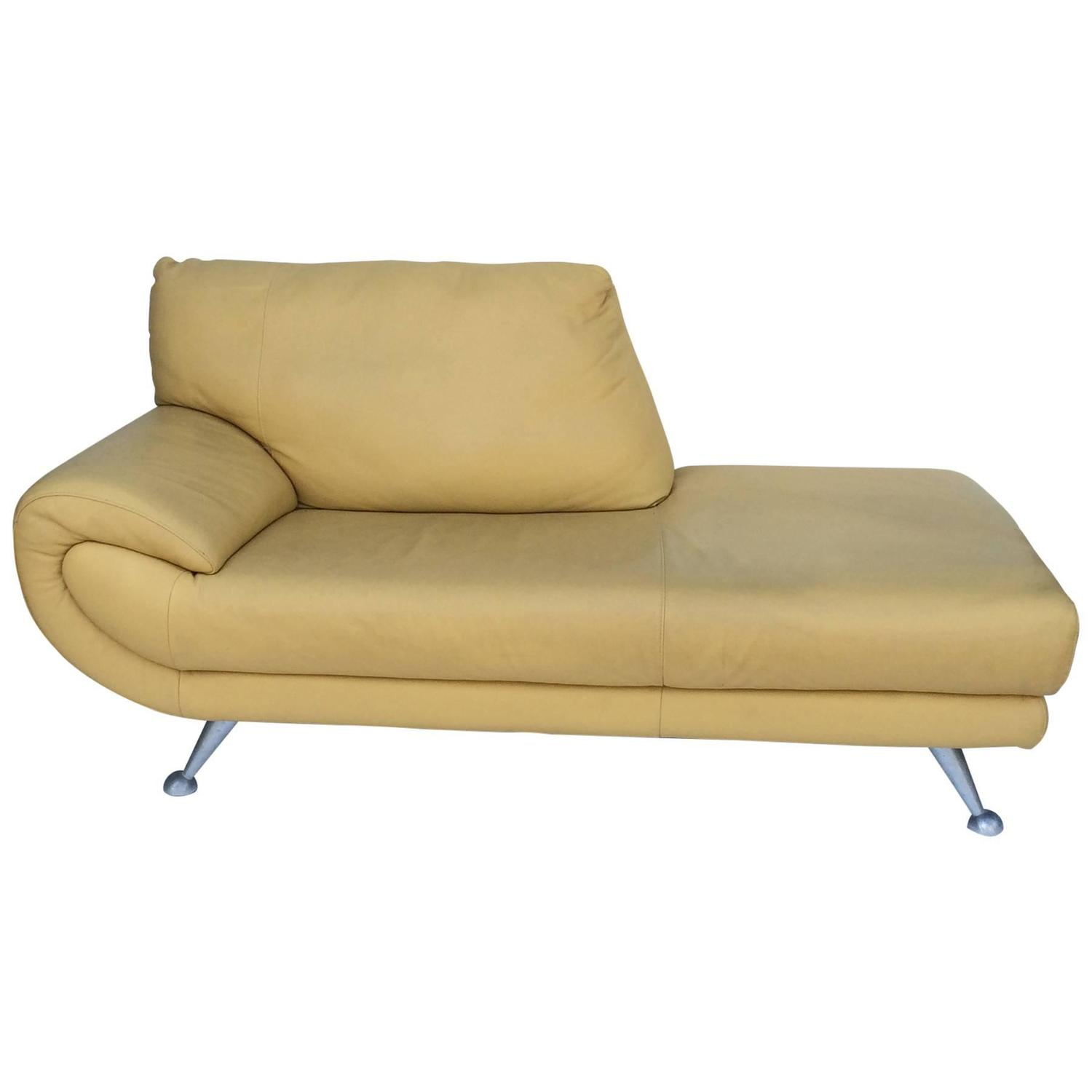 Leather Chaise Lounge Chair Nicoletti Leather Chaise Lounge For Sale At 1stdibs