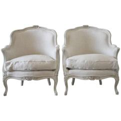 French Bergere Chair Hideaway Beds Pair Of 19th Century Painted Louis Xv Style Chairs In Linen For Sale