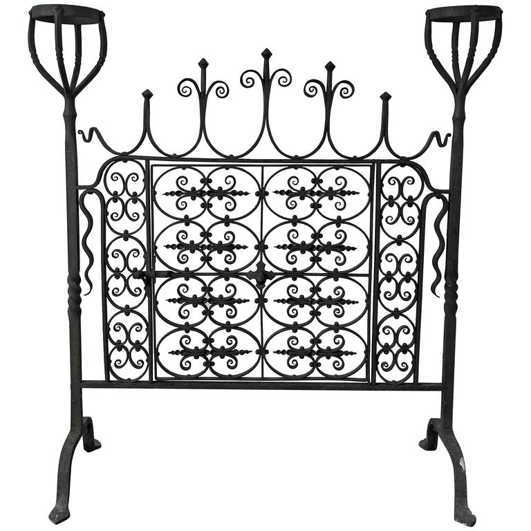 18th Century Wrought Iron Hand-Forged Fire Screen For Sale