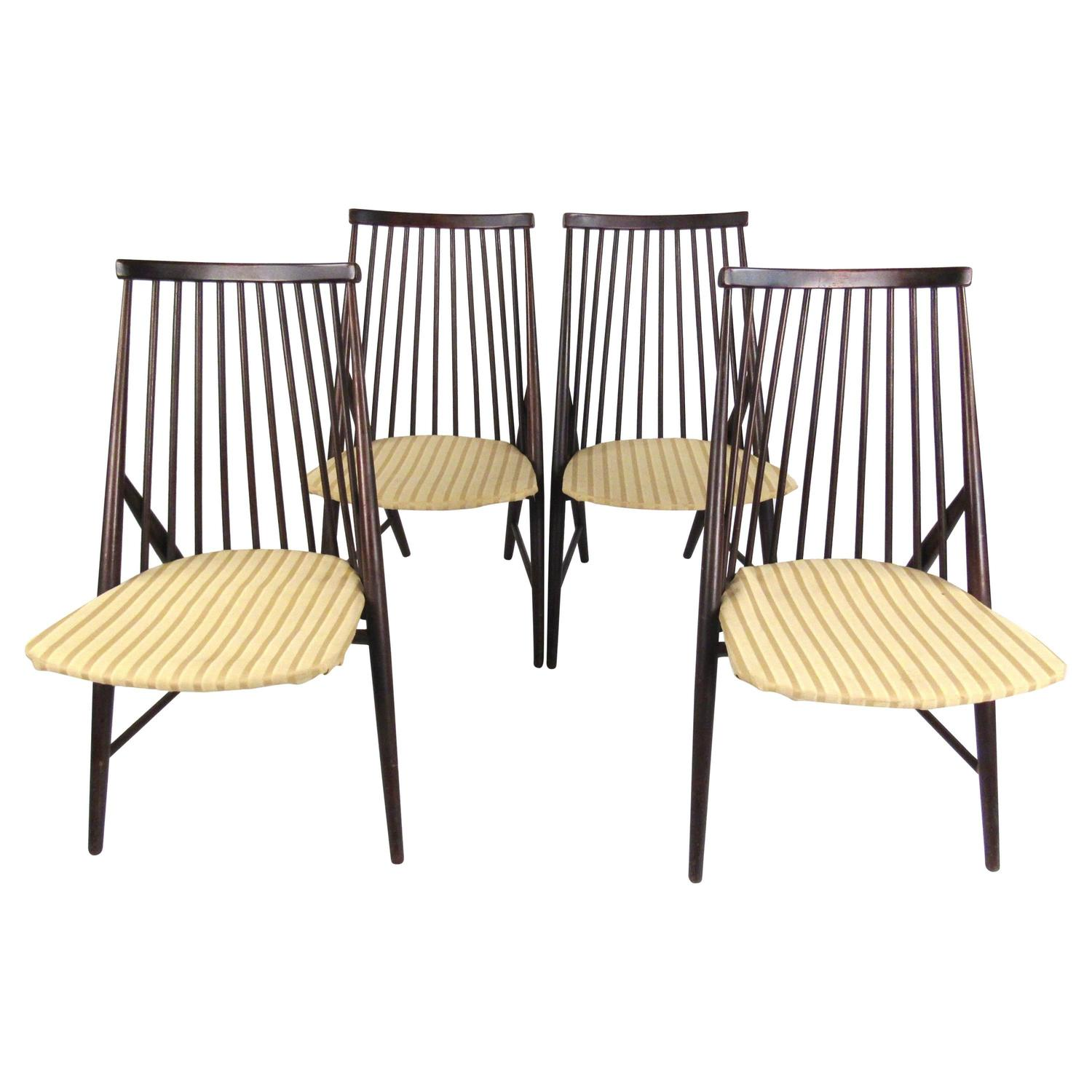 Spindle Dining Chairs Set Of Mid Century Spindle Back Dining Chairs In The Style