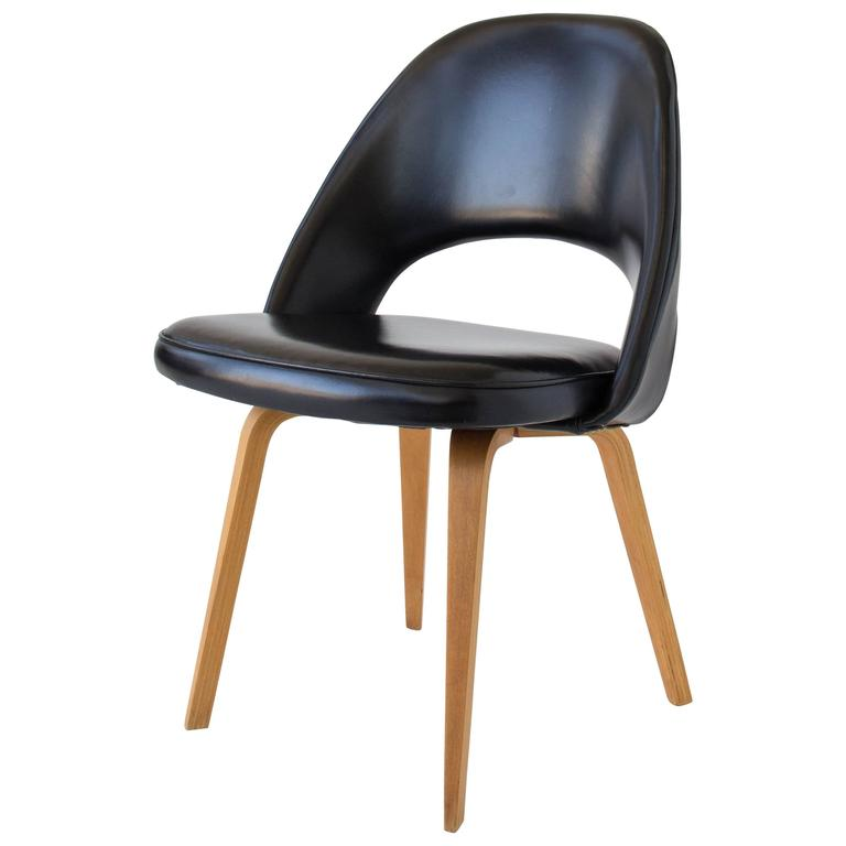 Eero Saarinen Executive or Dining Chair for Knoll For Sale