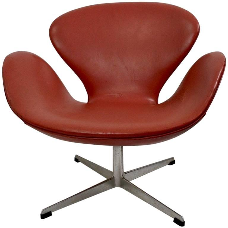 arne jacobsen swan chair wonda white bonded leather accent with wood arms for fritz hansen sale at 1stdibs