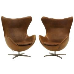 Jacobsen Egg Chair Leather Sofa Cover Pair Of Arne Chairs In Cognac Tan Made By Fritz Hansen