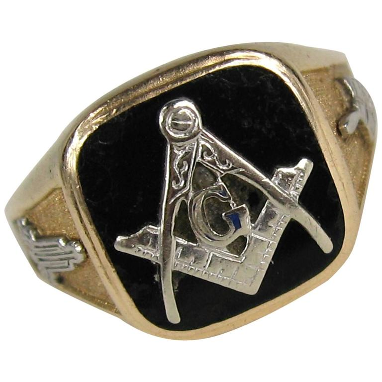 1950s Onyx Gold Masonic Ring Square And Compass For Sale