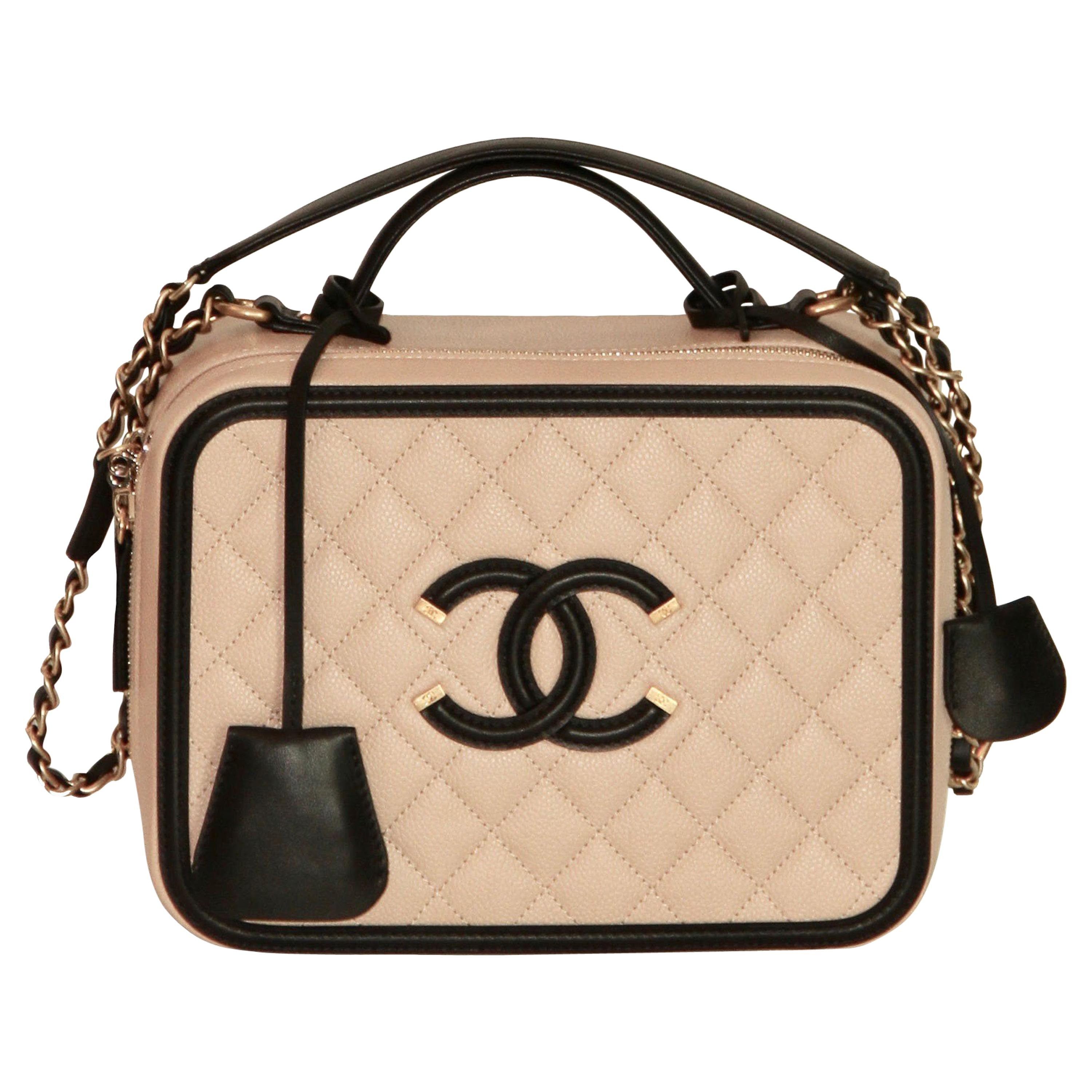 CHANEL CC Filigree Vanity Case Nude / Black Grained Leather at 1stdibs