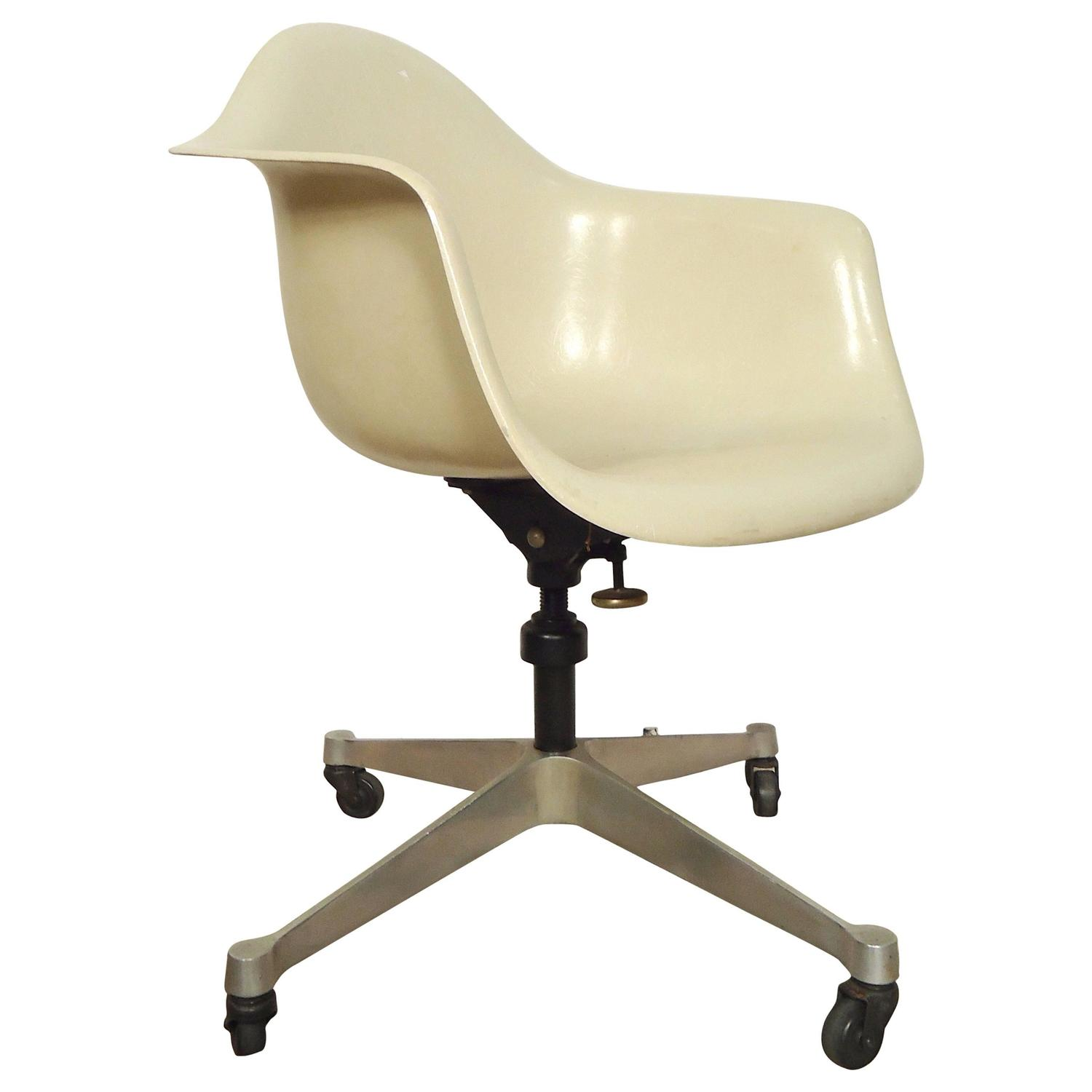 herman miller rolling office chair curved back adirondack chairs desk at 1stdibs