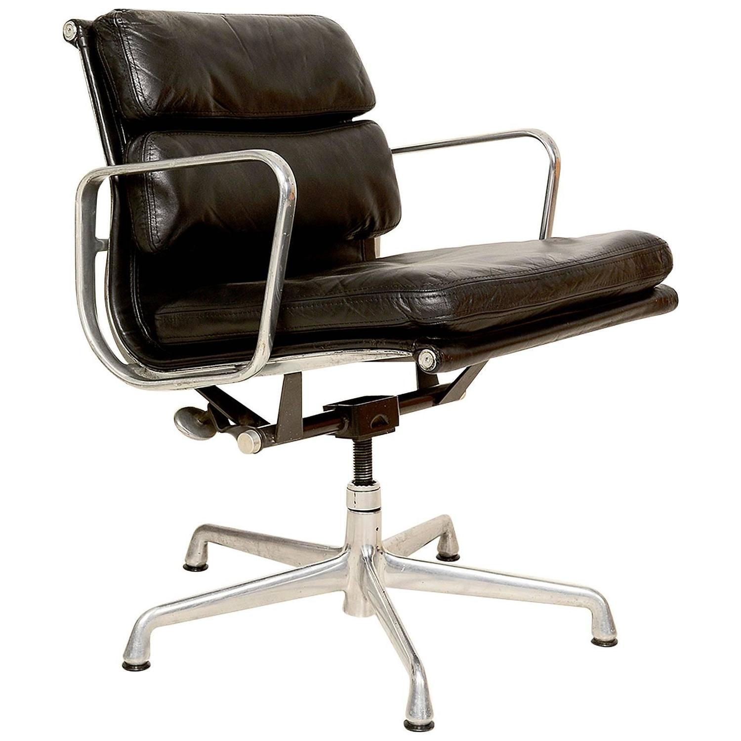 Herman Miller Eames Office Chair Vintage Herman Miller Eames Soft Pad Aluminum Group Chair