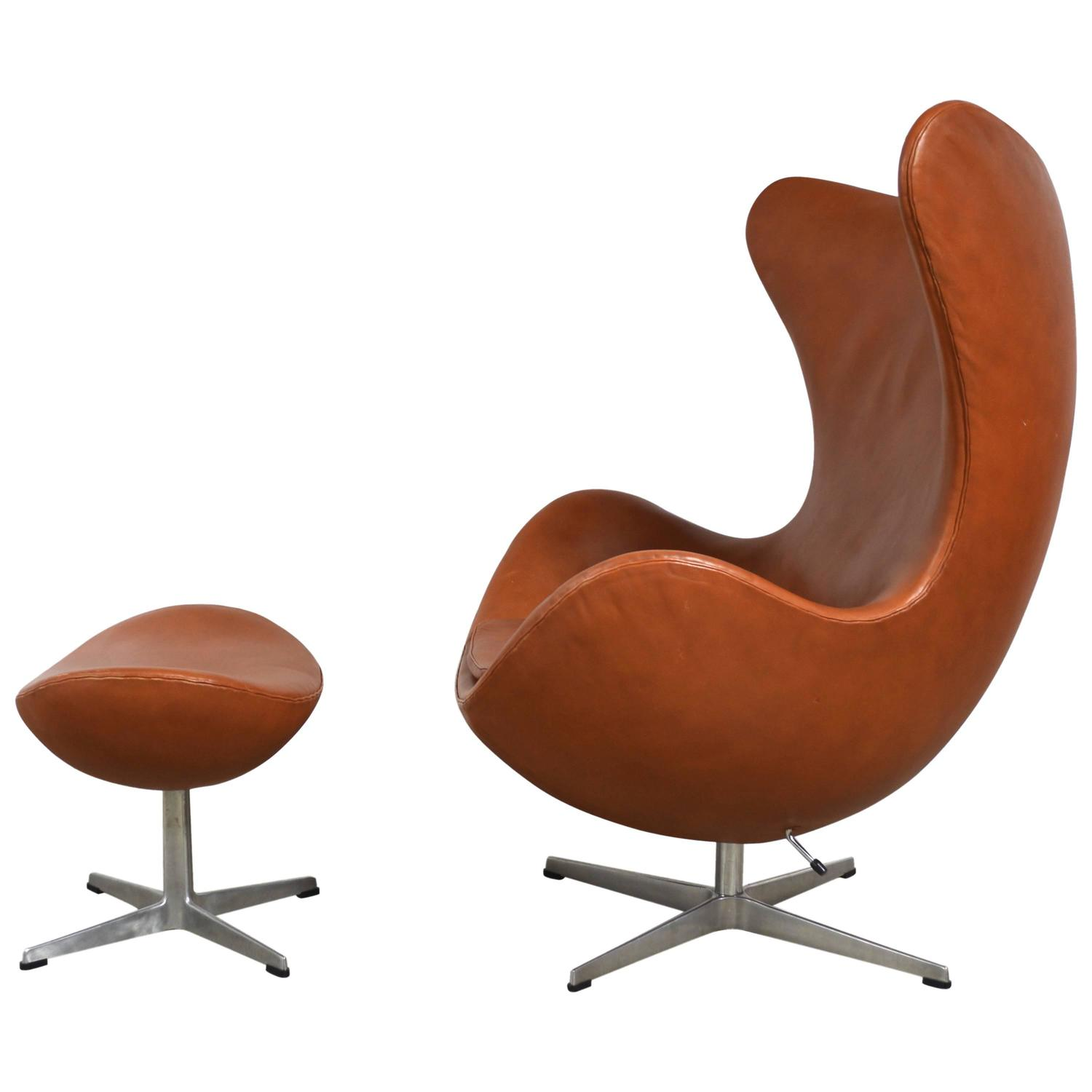jacobsen egg chair leather krueger folding chairs arne and ottoman at 1stdibs