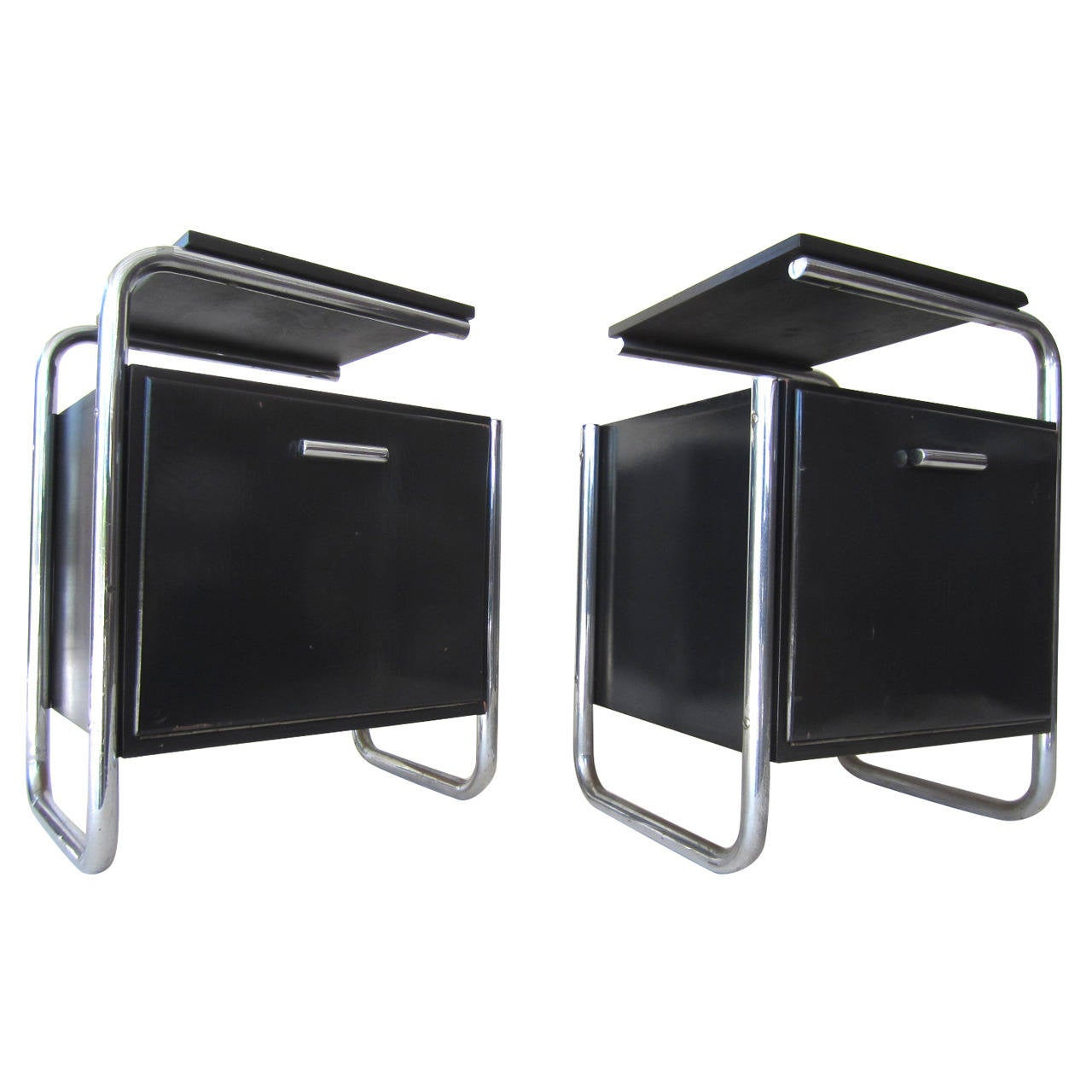 Bauhaus Marcel Breuer Pair of Side Tables circa 1930 Germany For Sale at 1stdibs