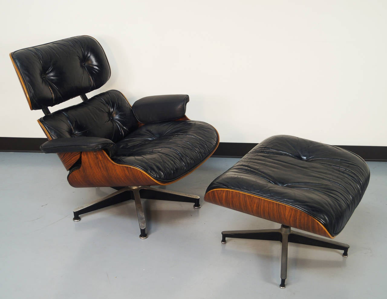Charles Eames Lounge Chair Rosewood Charles Eames Lounge Chair And Ottoman For Herman