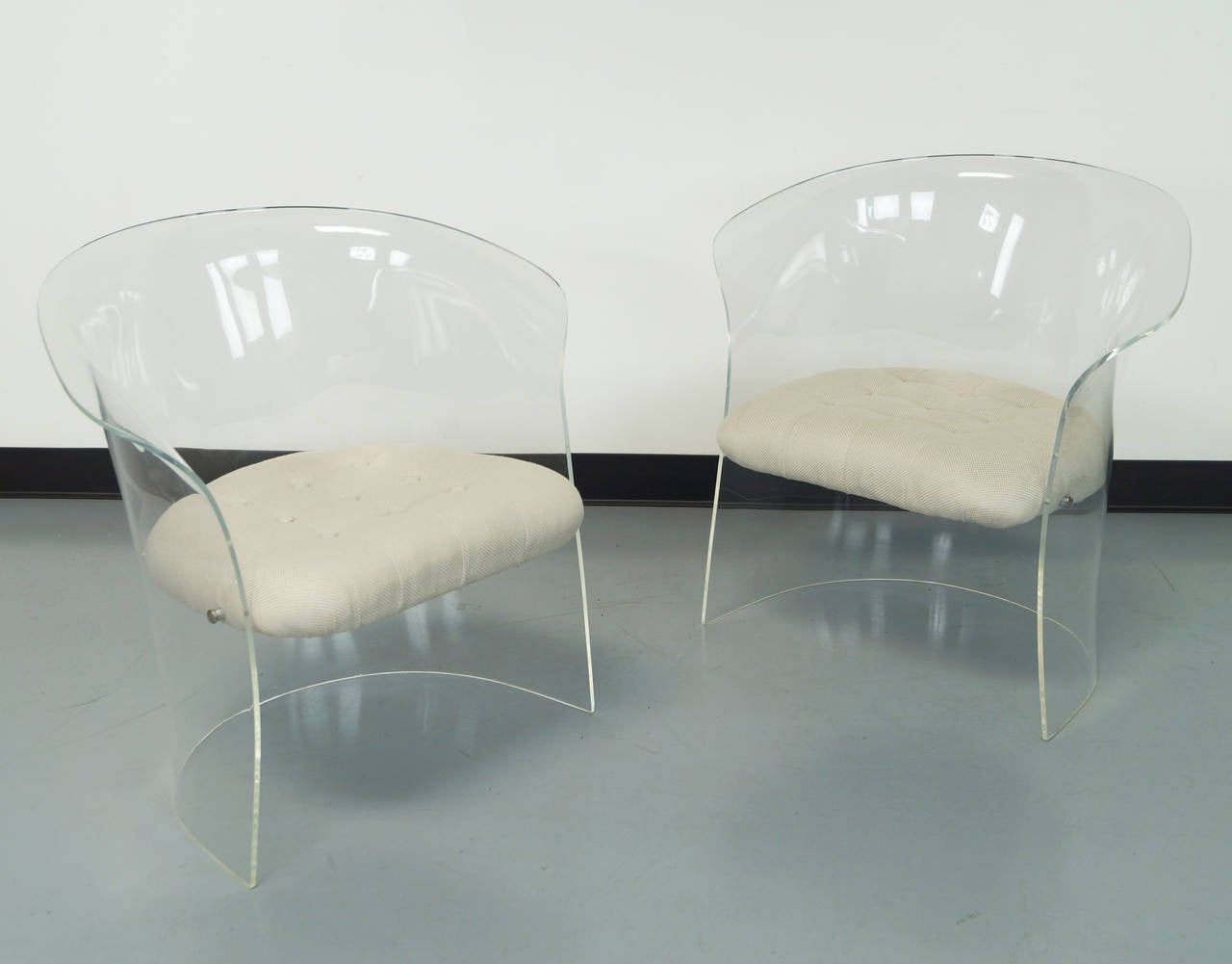Acrylic Chair Vintage Flexuous Lucite Chairs At 1stdibs